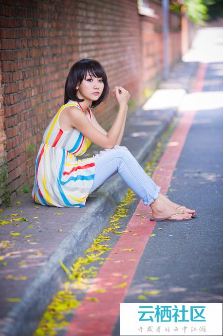 Photoshop给围墙边的人物加上甜美的青红色-铁艺围栏围墙